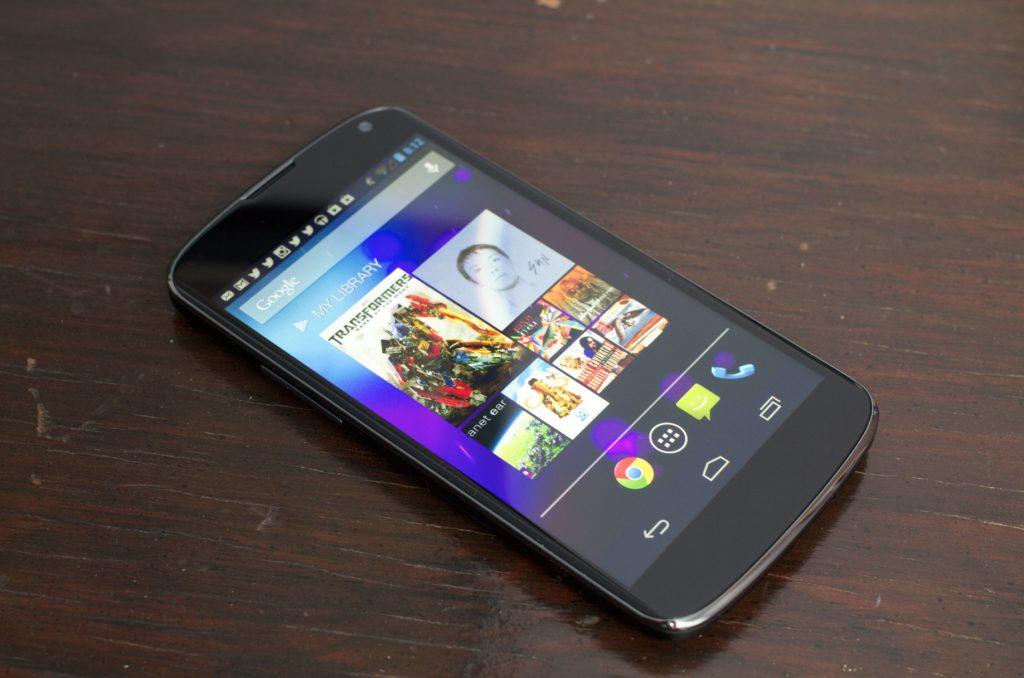 Thay màn hình Nexus 4