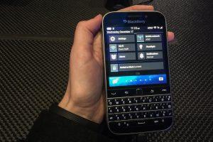thay màn hình Blackberry classic