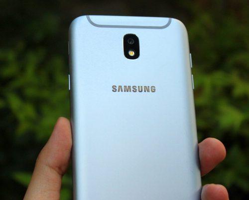 Khắc phục Samsung Galaxy J7 Pro hỏng đèn flash