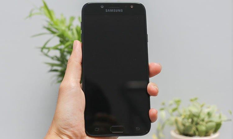 Sửa Lỗi Samsung Galaxy J7 Pro Hỏng đèn Màn Hình Viettopcare