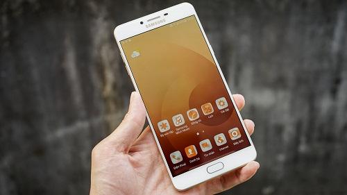 Khắc phục Samsung Galaxy C9 Pro nóng máy