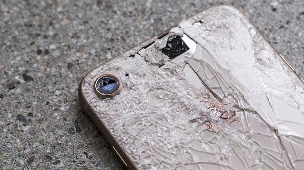 Thay mặt kính lưng iPhone 8 Plus chính hãng nhanh chóng