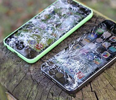 """Thay mặt kính ngay nếu bạn còn """"yêu"""" chiếc điện thoại của mình"""