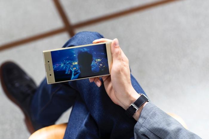 Sửa lỗi Sony Xperia XA1 Plus lỗi cảm ứng màn hình